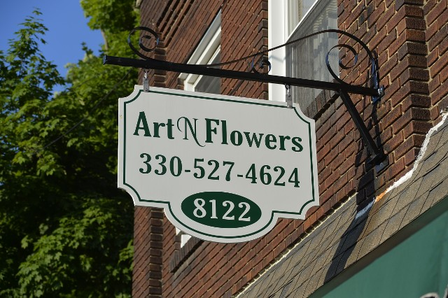 Art and Flower Sign