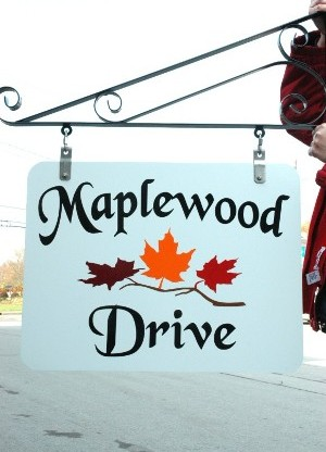 Maplewood Drive Sign